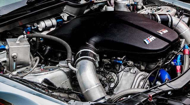 BMWのエンジンからオイル漏れ