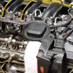 BMWのエンジンオイル漏れの画像です