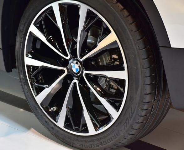 BMWのランフラットタイヤの故障した場合のメリットとデメリットを解説します