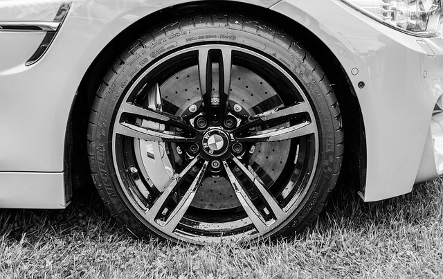 BMWのランフラットタイヤの交換写真