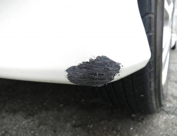 BMWのバンパー画像