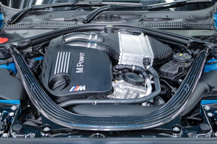 BMWのエンジンオイル交換サイクルは25000km?